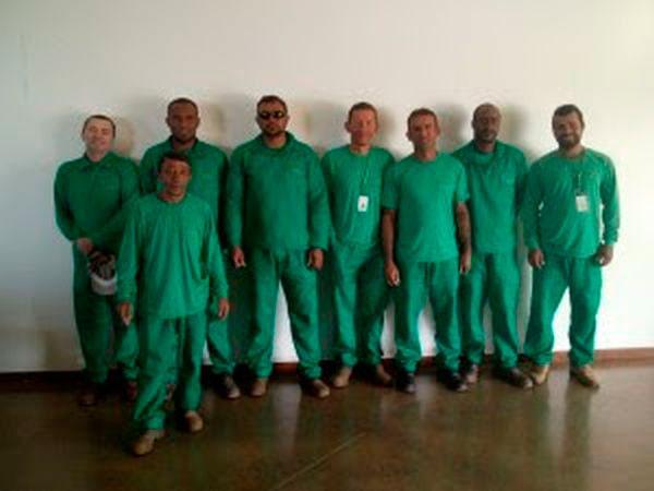 Uniformes profissionais para manutenção